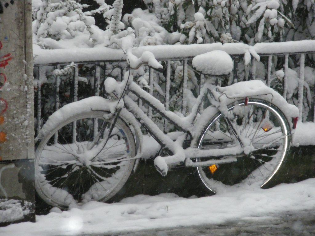 snow-79517_1280