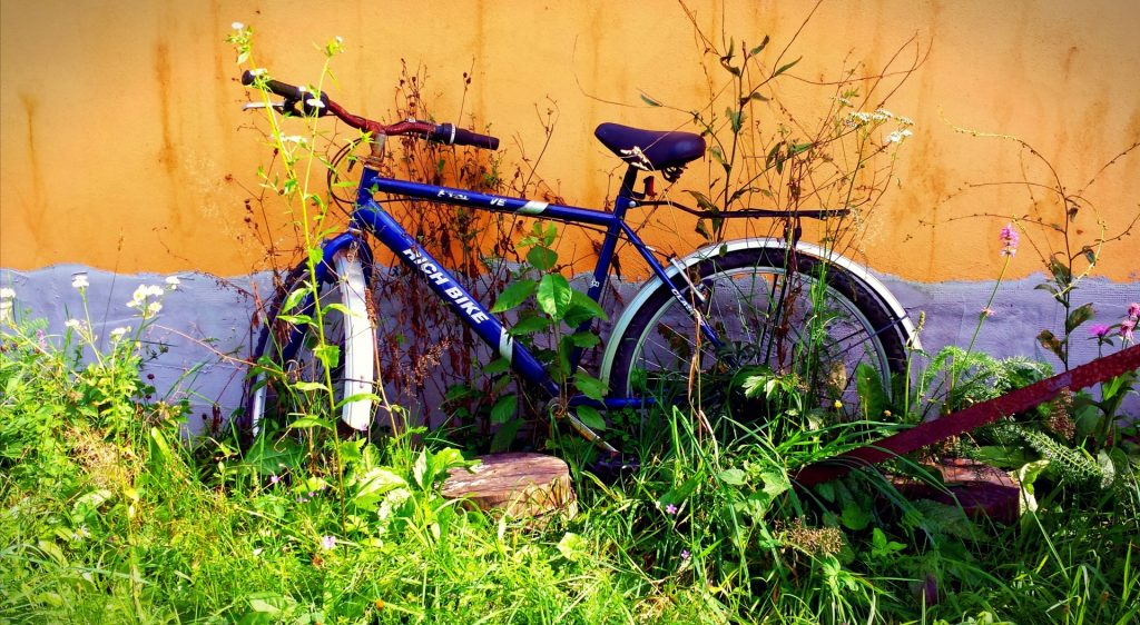 abandoned-bike